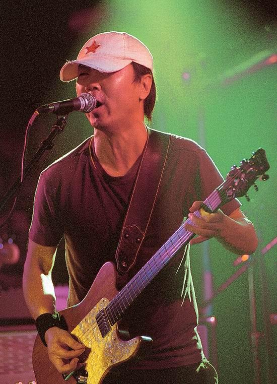 资料图片:摇滚中的崔健(6)