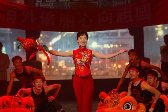 资料图片:2005年音乐剧《赤道雨》精彩剧照(2)