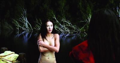 床戏的预告片只有在删减部分镜头后方可在香港的影院