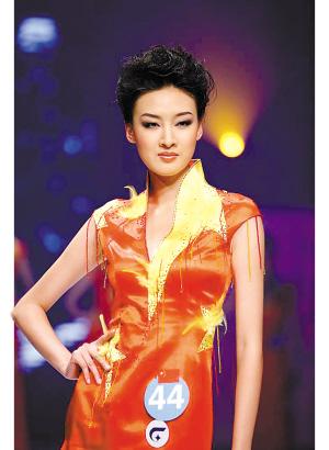 中国选手王慧夺得2006年亚洲超级模特大赛冠军.