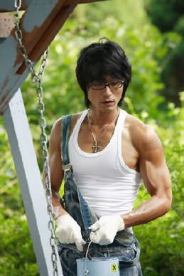帅哥肌肉与直男射精