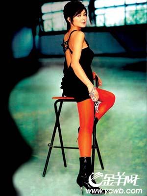 中出絲襪色妻_2001年,張柏芝在《白蘭》中出演主角,片酬是1.2億韓元.