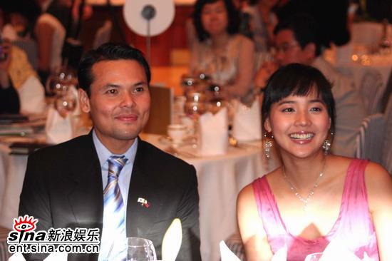 图文:韩星柳真任菲律宾宣传大使--Eugene在晚宴上