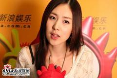 简美妍新浪聊天谈保养秘诀谈组合其他成员近况