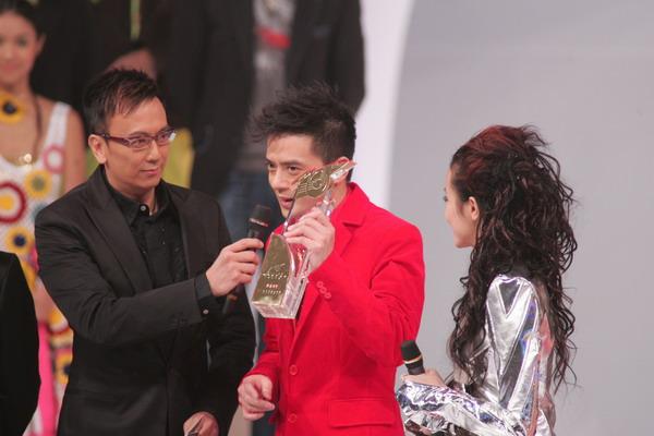 组图:杨千�猛碜案吖罅料�TVB十大劲歌颁奖礼