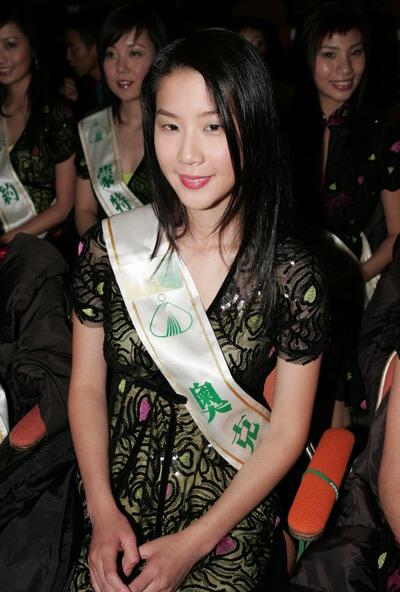 组图:众多美女亮相TVB十大劲歌金曲颁奖礼现场