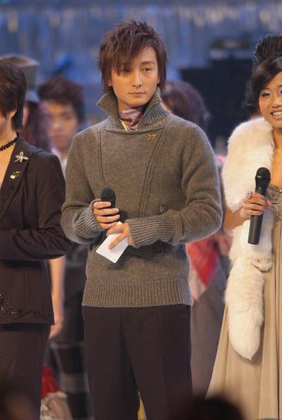 图文:第27届香港十大中文金曲颁奖礼--方力申