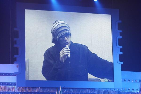 图文:周杰伦《七里香》获优秀流行国语歌曲奖金奖