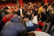 组图:刘德华参加春晚彩排激情献唱感动观众