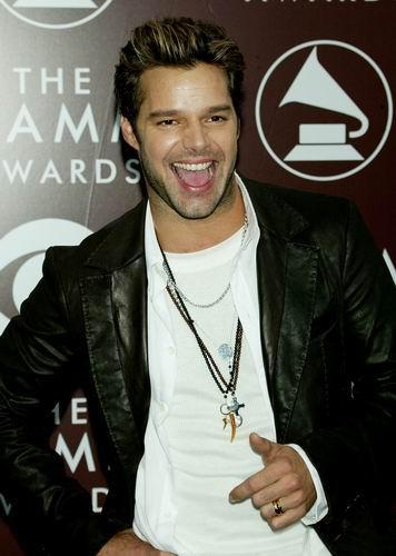 图文:著名歌手RickyMartin抵达颁奖典礼现场