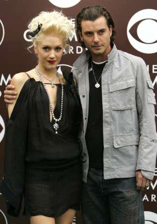 图文:GwenStefani与丈夫携手出席颁奖礼