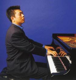 组图:世界瞩目钢琴天才郎朗做客《与你共享》