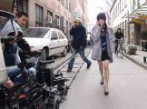 组图:周迅身着时尚装扮拍摄新专辑《偶遇》MV