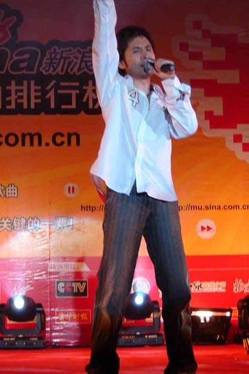 组图:网络歌曲排行榜长沙站黄征热力再现