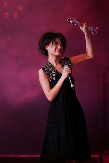 图文:第五届华语音乐传媒盛典颁奖-容祖儿