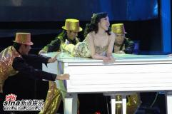 组图:陶晶莹林志玲侯佩岑三朵金花怒放金曲奖