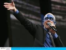 组图:Live8慈善演唱会揭幕麦当娜热舞献唱