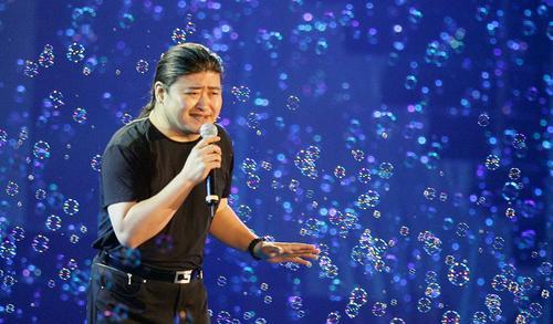 """图文:""""志愿北京""""7.13大型演唱会-刘欢"""