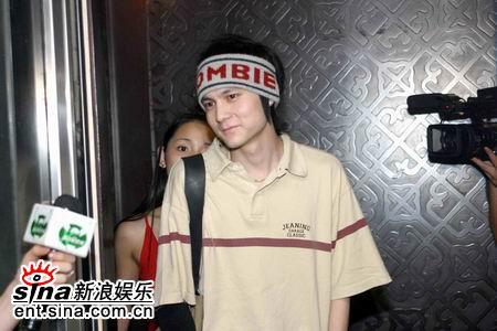 图文:2005莱卡我型我show媒体采访实战演习录(6)