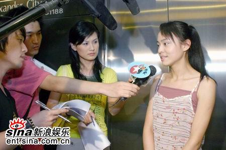 图文:2005莱卡我型我show媒体采访实战演习录(12)