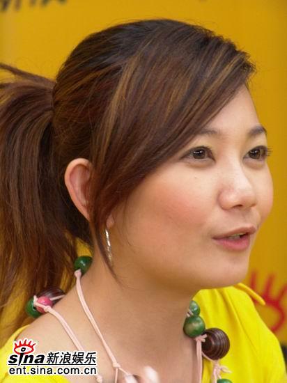 图文:马来西亚歌手梁静茹作客新浪-憧憬未来
