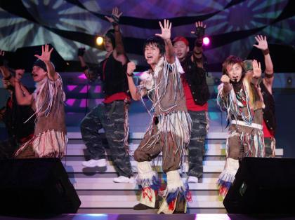 w-inds.日本巡演High翻天歌迷50万连看19场