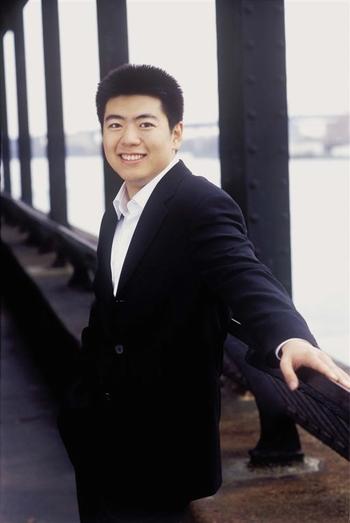 资料图片:钢琴天才郎朗精彩写真(30)