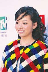 张靓颖上海演出传旗下歌手可能不与同台(图)