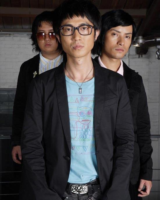资料图片:首轮上榜最受欢迎男女歌手--飘乐队