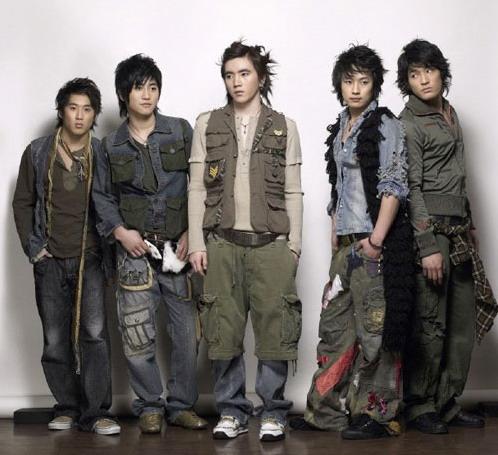 韩国乐坛筹备四年推新组合Fans投票定名字(图)