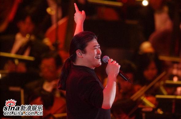 资料图片:歌手刘欢精彩写真(12)