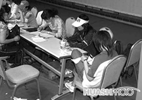 超女沈阳唱区报名平稳轮椅女孩打动评委(附图)