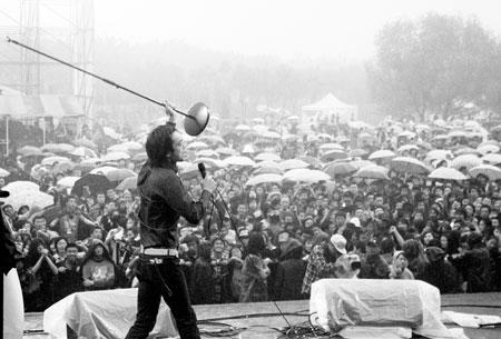 纪念中国摇滚20年洛阳要办《巅峰对决》演唱会