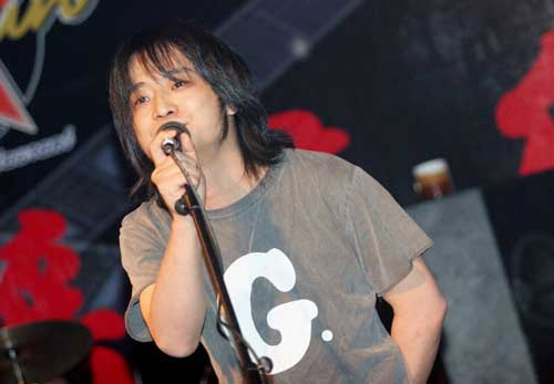 2006SUPERLIVE参演歌手何勇(附图)