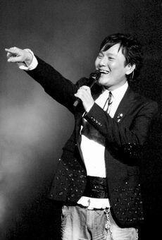 张信哲北京演出会举行新老歌曲讲述旷世情缘