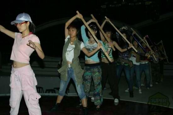 超女入围赛第一场赛制揭密10选手短兵相接(图)