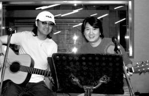 童安格周治平录音棚积极排练为台北演唱会准备