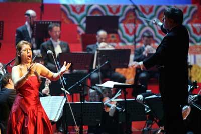 北京新年音乐会举行喜庆新年音乐声响彻大会堂