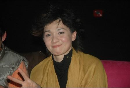 叶蓓演唱会上追忆似水青春与歌迷喜迎新年(图)