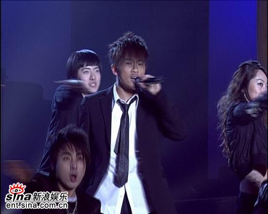 资料图片:电影之歌群星演唱会火爆现场(28)