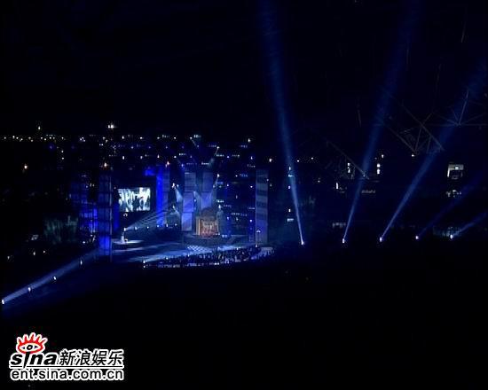 资料图片:电影之歌群星演唱会火爆现场(64)