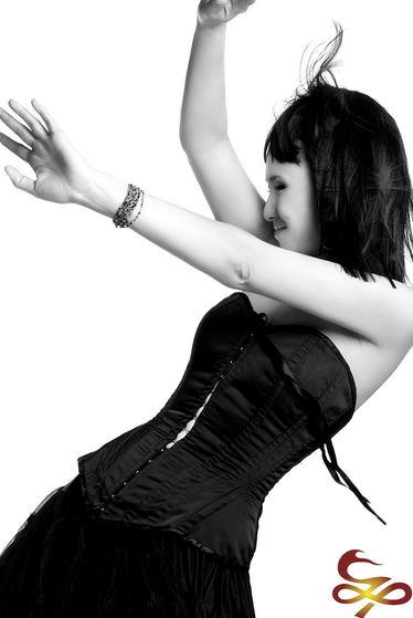 摇滚女王罗琦重现乐坛期待与那英进行合作(图)