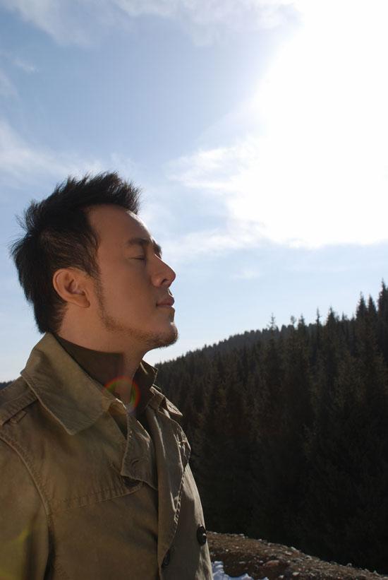 杨坤过招乐评大腕新专辑全新改变备受肯定(图)
