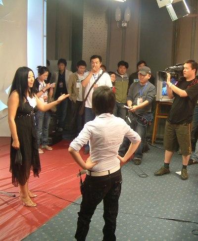 评委张东:郑钧杨二车娜姆都是有个性的人(图)