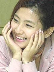 S.H.E拍新歌《五月天》MV阿信助阵遭强吻(图)