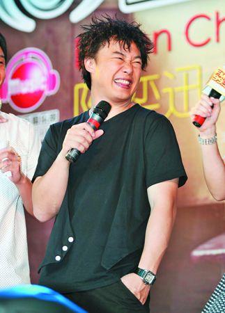 首度合作引发话题陈奕迅称杰伦写的歌不易唱
