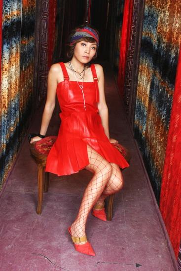在线试听:陈琳最新单曲--《我还是挑我的》
