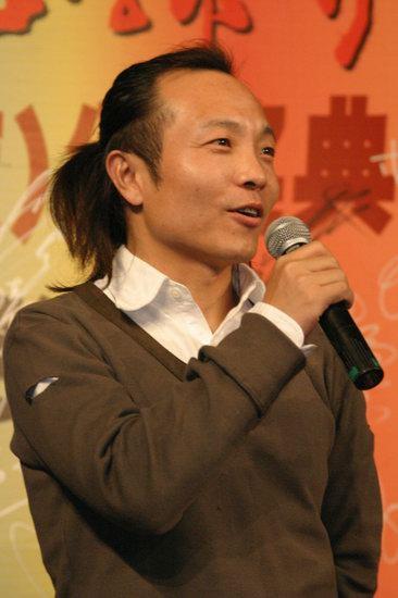 许巍广州专访:我天生就是个唱歌的(附图)