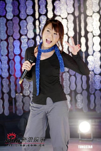 组图:蔡健雅发行新专辑演唱情歌让人红了眼眶