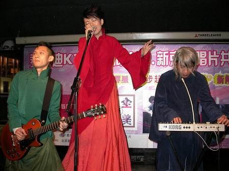 与非门张敬轩《十全十美》演绎广东原创音乐